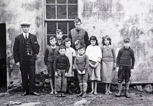 The school children of St Kilda in 1927