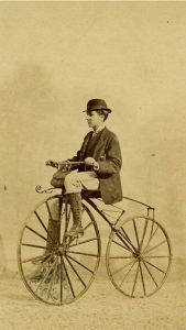 Photo ancienne - Source Pinterest - Vélocipède Michaux