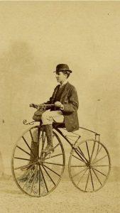 Photo ancienne - Source Pinterest - Vélocipède Michaux
