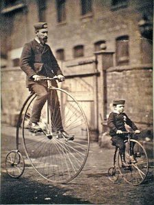 Mr. Shripton and his son - Photo ancienne - Source Pinterest