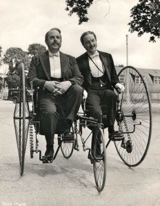 Photo ancienne - Source Pinterest - Robert Morley Maurice Evans Gilbert and Sullivan 1953